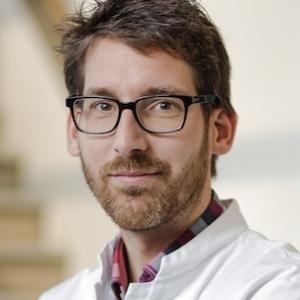Neuscorrectie specialist Niels van Heerbeek